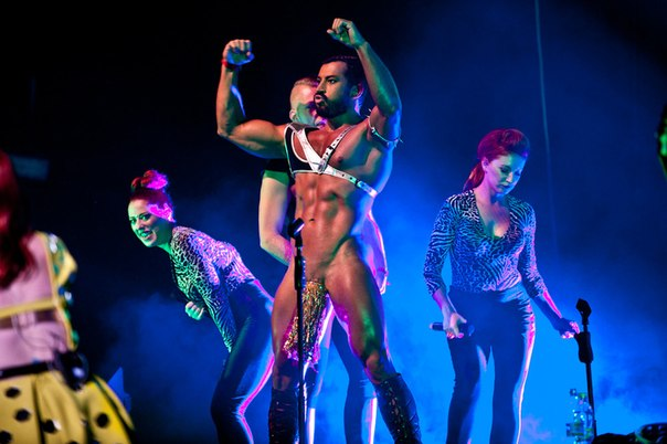 Pavel with the Scissor Sisters